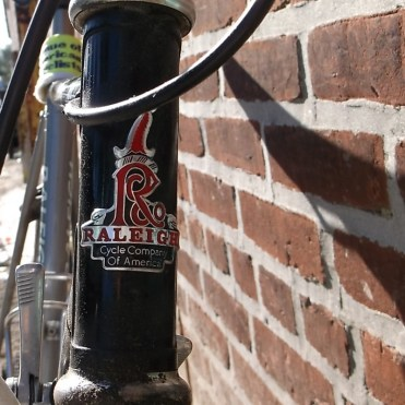 raleigh cycle company cartouche