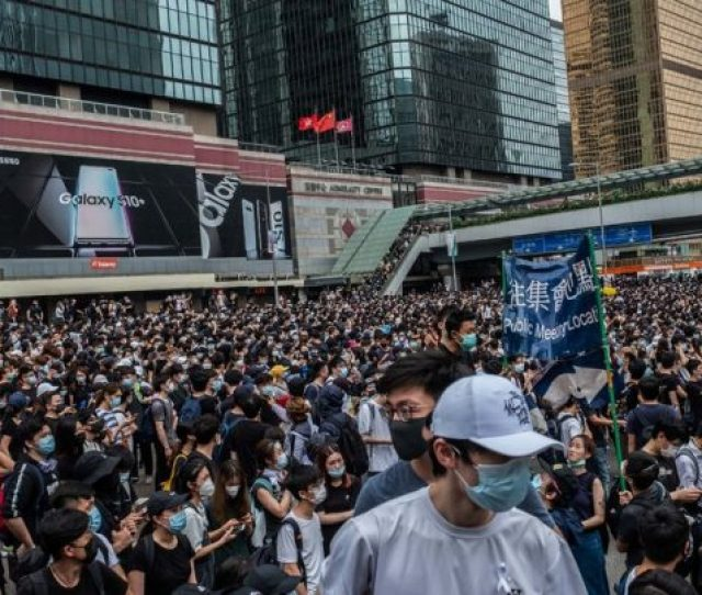 Hong Kong Protests Police Use Water Cannons Against Protestors