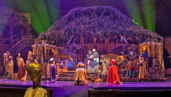 Sight And Sound Miracle Of Christmas.Event Miracle Of Christmas Sight Sound Theatres America S Keswick Christian Retreat Conference Center