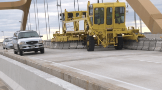 Hoan _3 - Movable Traffic Barrier