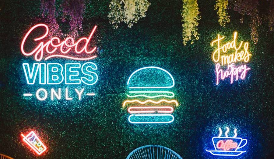 40 Optimistic Good Vibes Quotes and Captions for Instant Energy