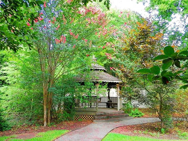 Gazebo | Americus Garden Inn near GSW