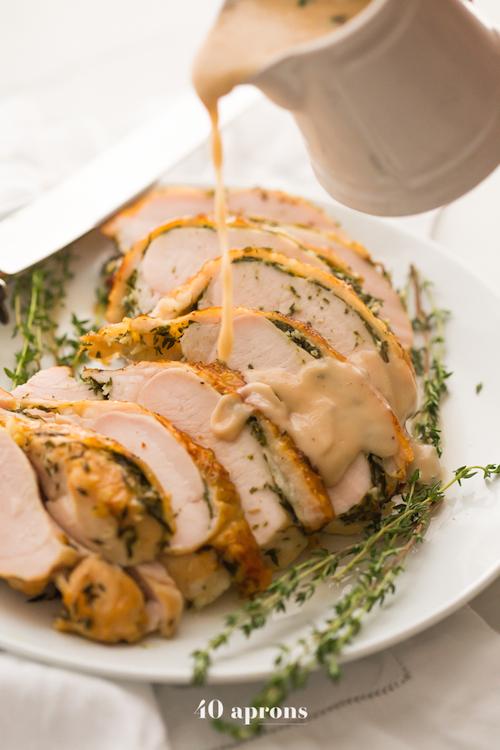 Perfect Paleo Whole30 Turkey and Gravy - Whole 30 Thanksgiving Recipes