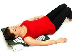 gift ideas for people with back pain - accupressure mat for back pain