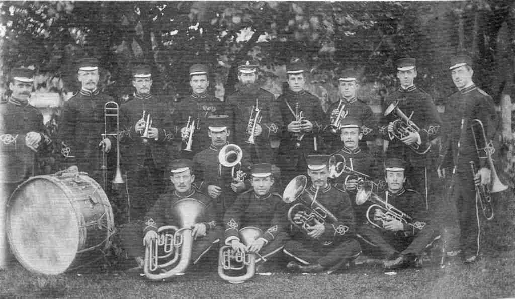 1892 b & w