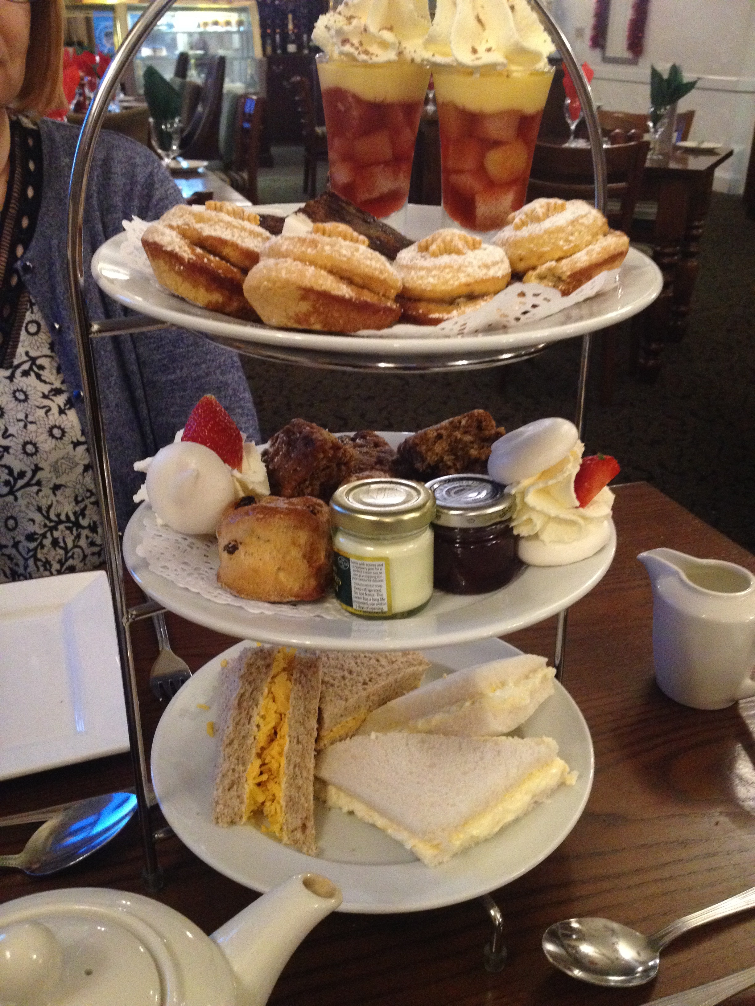 Foodie Review: Afternoon tea at The Hardwick Inn, Derbyshire