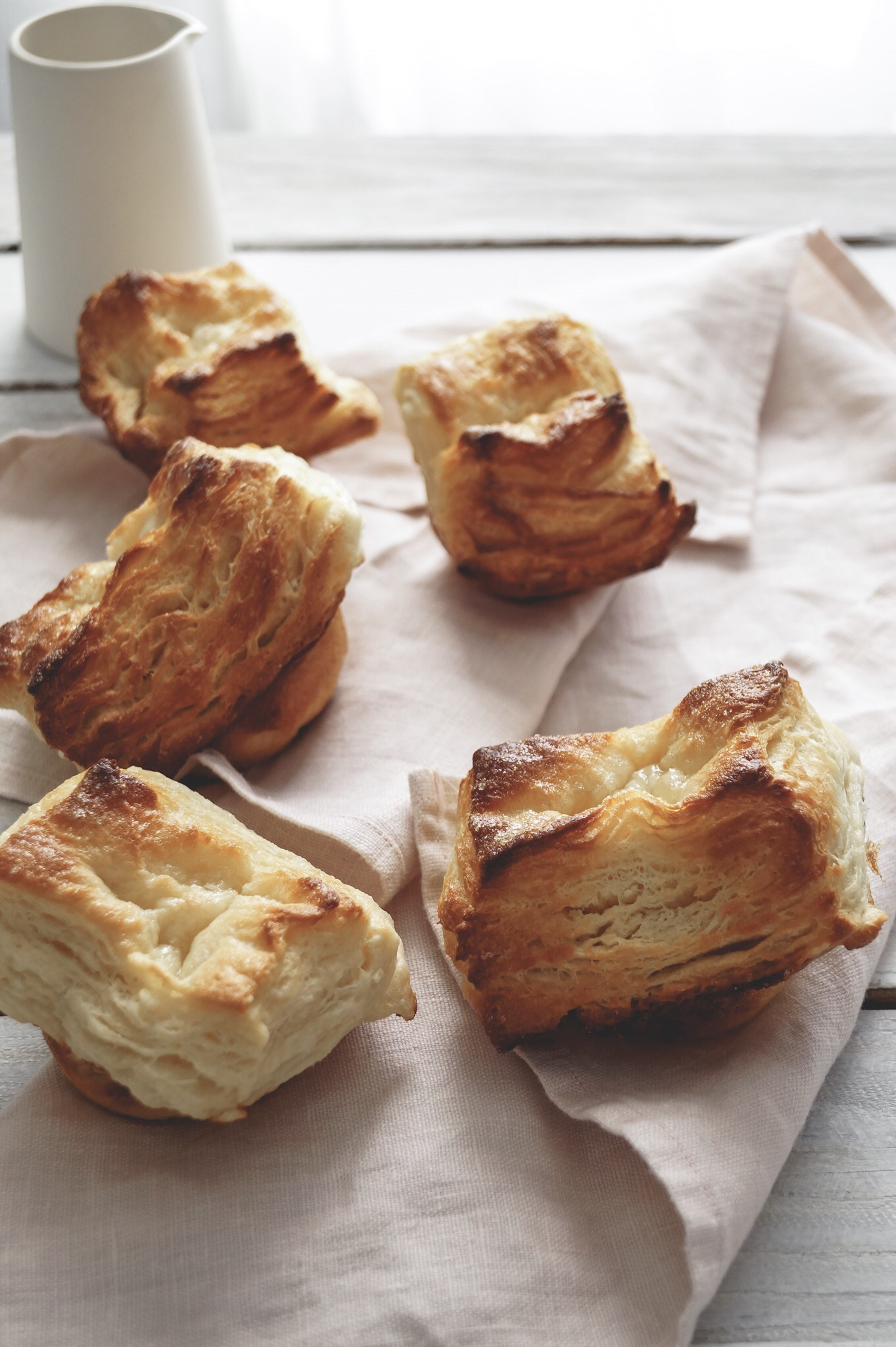 Kouign amann buns, Kouign anamm recipe, panera copycat recipes, baking bread,