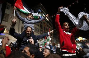 Palestinians celebrate16