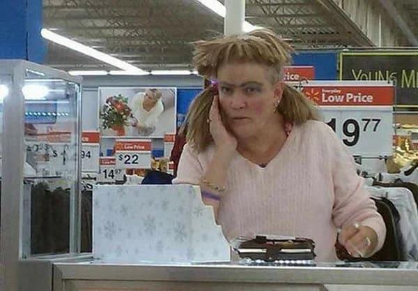 Сколько получают кассиры гипермаркета Walmart в США? 2020