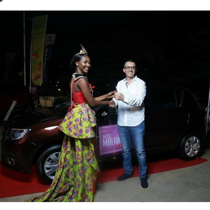 Miss Malaika 2017 Pearl Nyarko Mensah picks up Key to her brand new Renault car