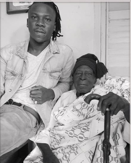 Stonebwoy loses Grandfather