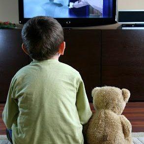 Τηλεόραση: σύμμαχος ή εχθρός στην ανατροφή των παιδιών;