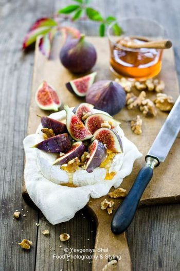 figs and brie cheese and wine pairing guide