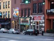 Broadway - Betty Boots bár