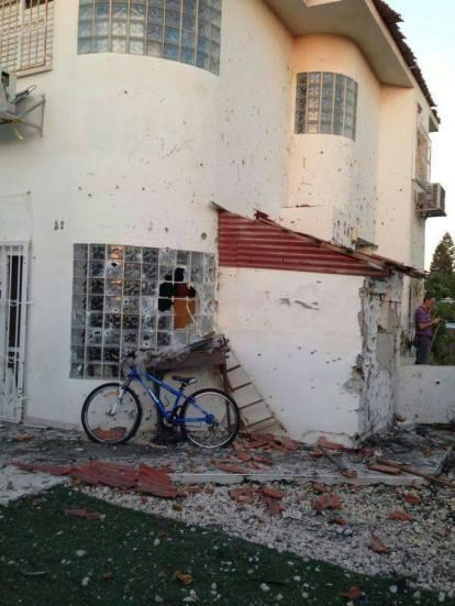 2014. július 10. Beer Seva - egy gázai rakétatámadás után.