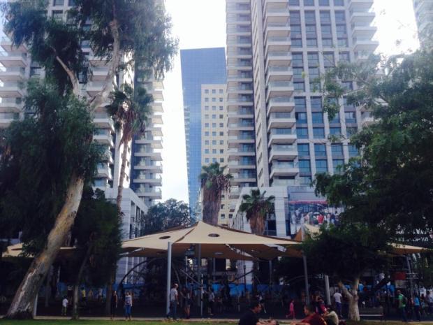 Sátoros ünnep Tel-Avivban
