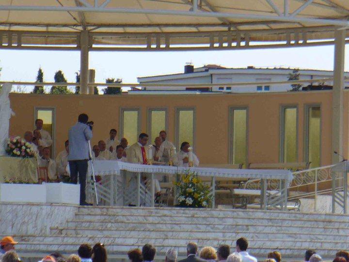 S.Rosario e Santa Messa tutte le sere in diretta da Medjugorje