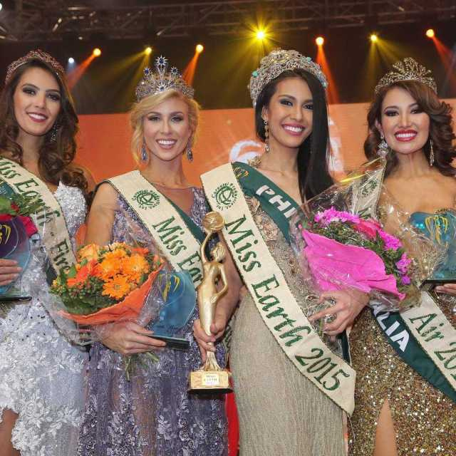 Miss Earth 2015 Angelia Ong (Philippines) with Miss Water, Miss Fire, and Miss Air (Instagram/missearth)