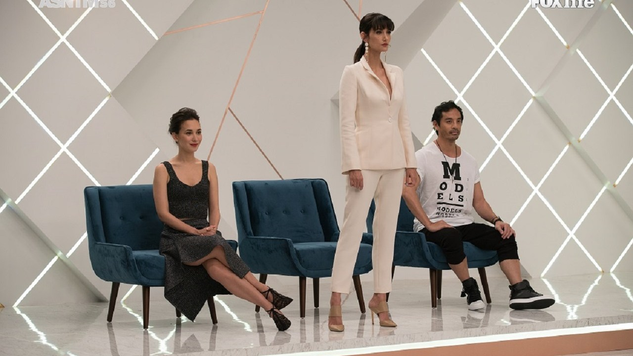 Celina Jade, host Cindy Bishop and creative director Yu Tsai on the judging panel for AsNTM6 Episode 1