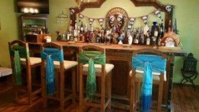 Amigas4all-bar-decorating-diy-chairs-