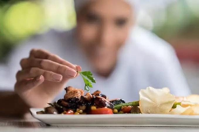 preparar o alimento ou comer