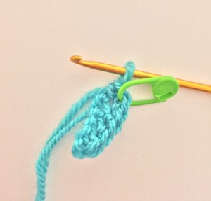 Mark the crochet increases with a locking stitch marker
