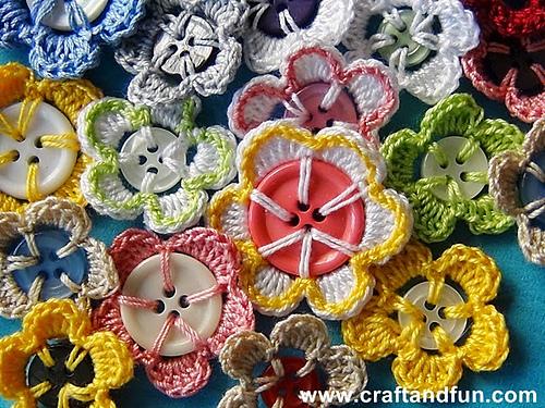 Crochet Button Flowers free crochet pattern