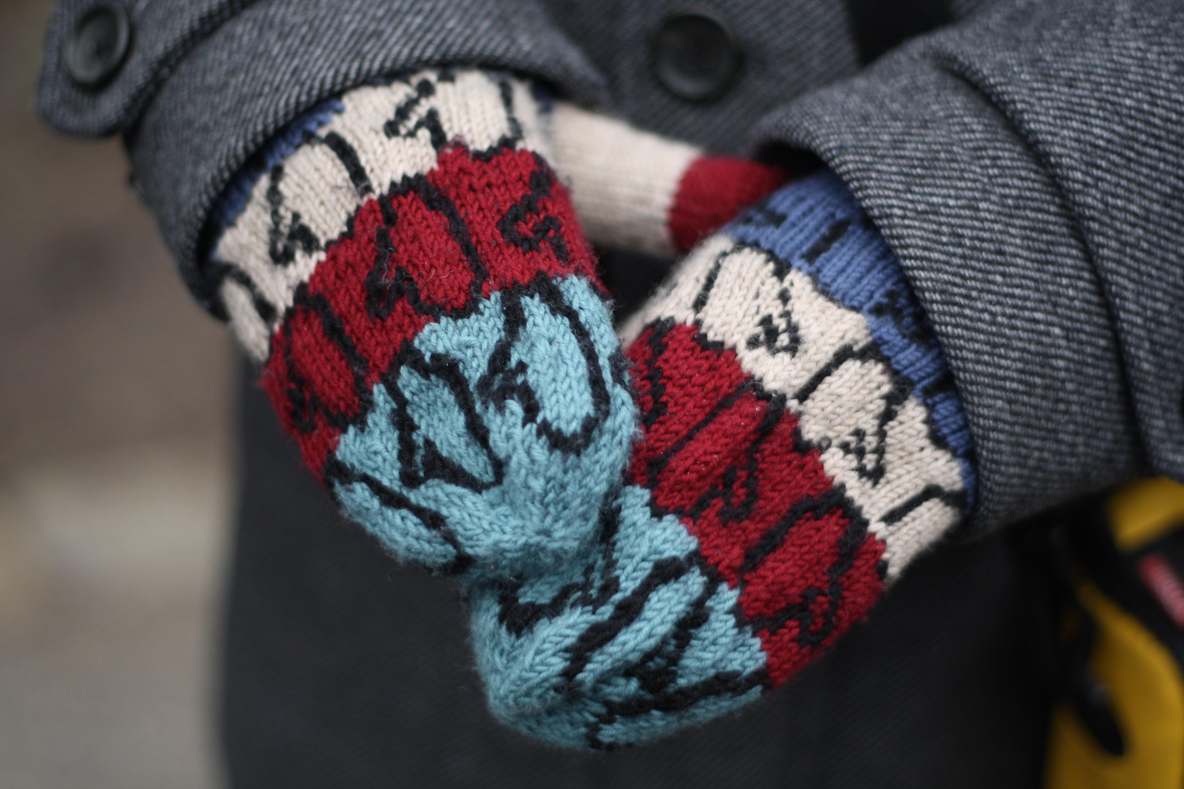 Colourwork mittens for men