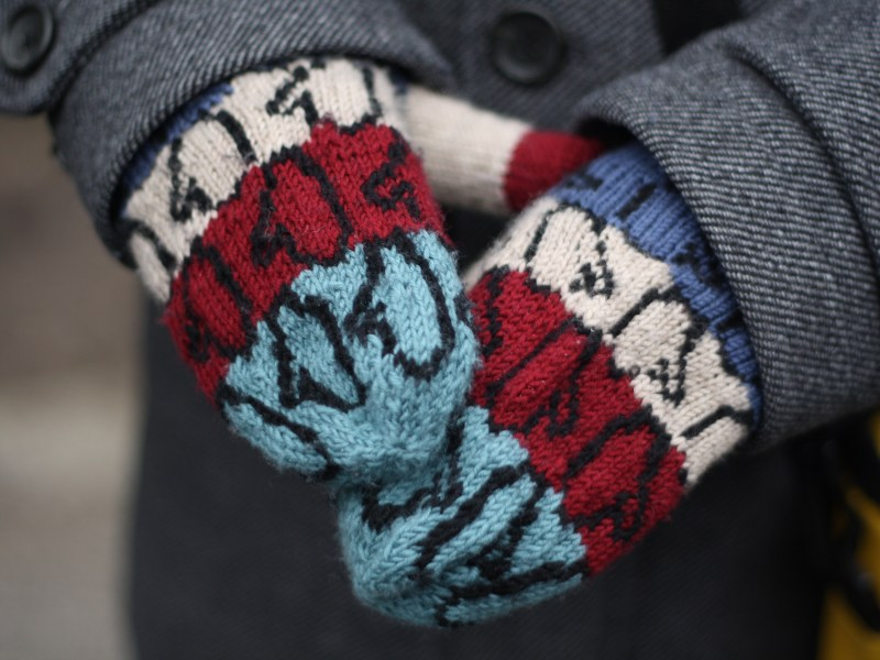Colourwork mittens for men