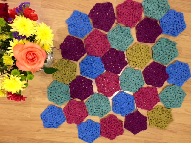Crocheted hexagons for a blanket: how to crochet faster
