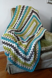 Rectangular granny square blanket