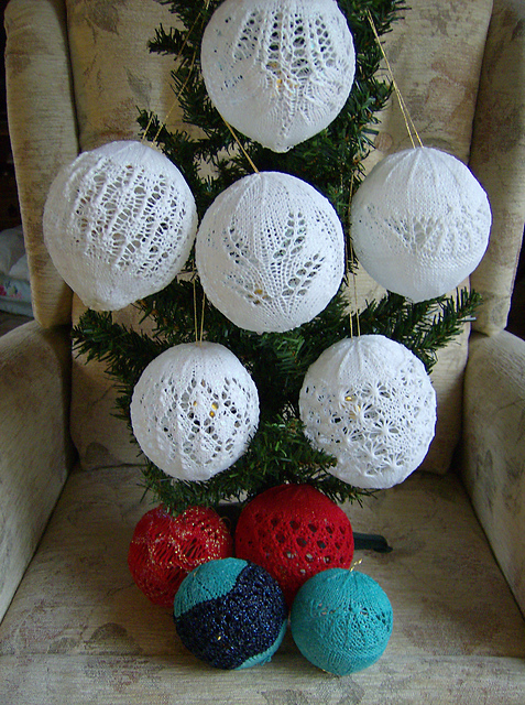 knitted lace Christmas baubles