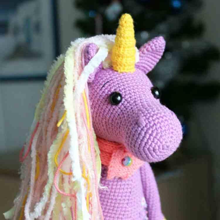 Crochet Shy Unicorn amigurumi pattern
