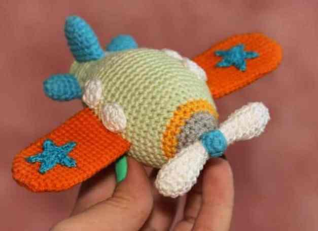 airplane free crochet amigurumi pattern