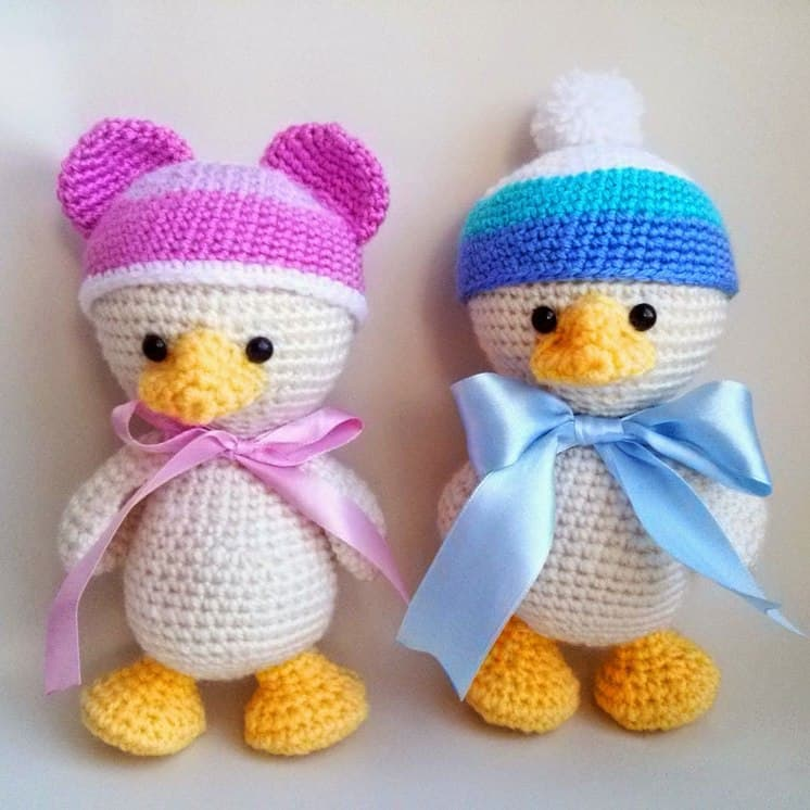 Baby duck free amigurumi pattern