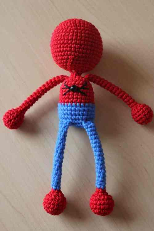 Crochet Spiderman - free amigurumi pattern