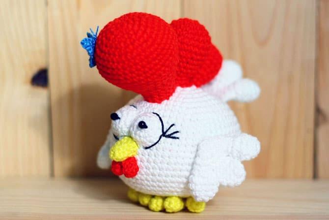 https://amigurumi.today/small-rooster-free-amigurumi-pattern/