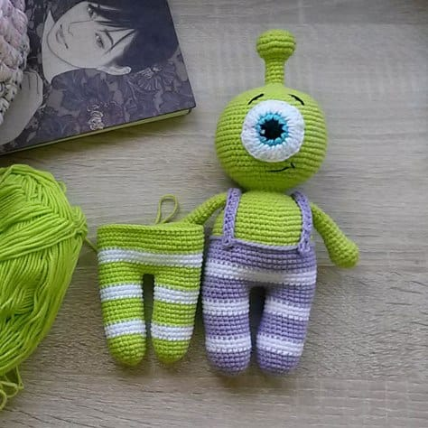 Crochet Amigurumi Alien : Totoro amigurumi crochet pattern - Amigurumi Today