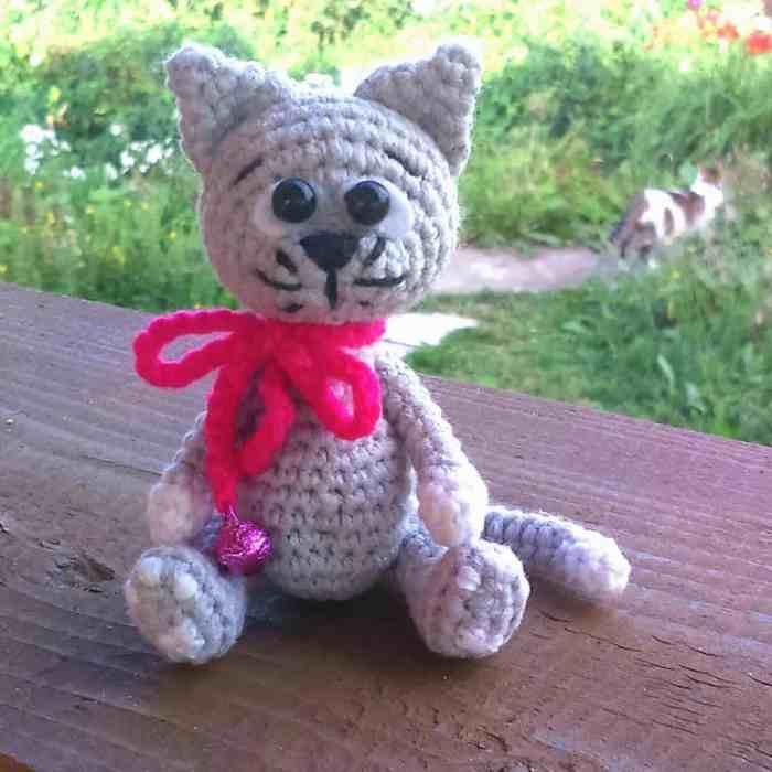 Free little kitten amigurumi pattern