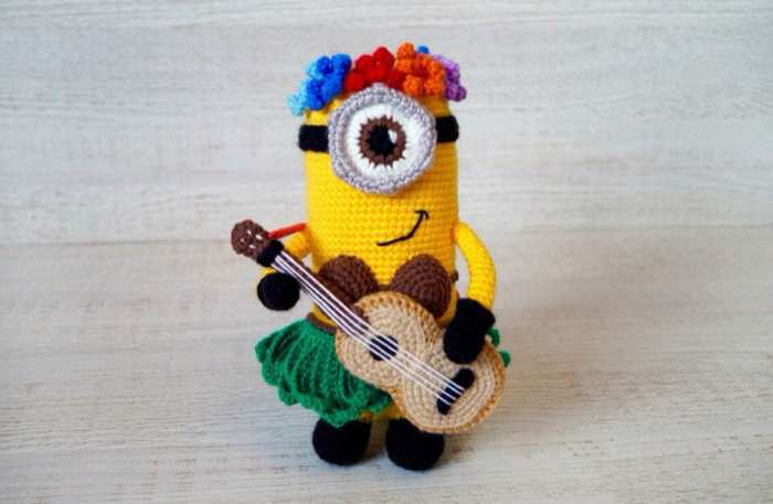 Hawaiian minion crochet amigurumi pattern free