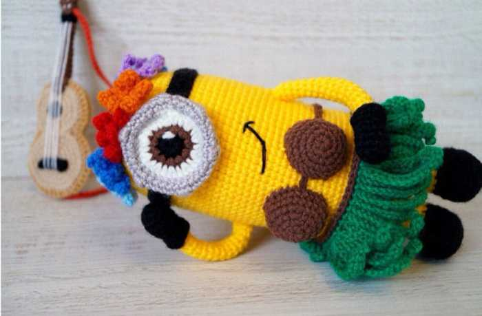 Hawaiian minion crochet amigurumi pattern
