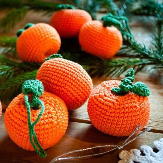 Christmas tangerine free crochet pattern