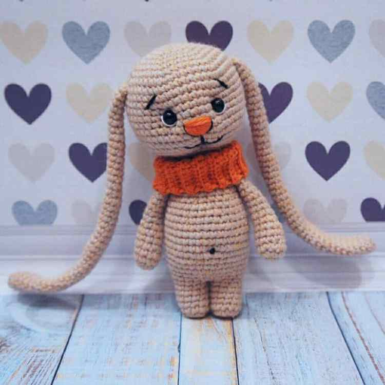 Amigurumi bunny with big ears free crochet pattern