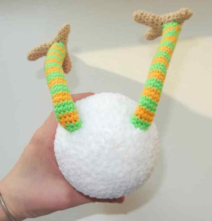 Amigurumi funny rooster crochet pattern - legs