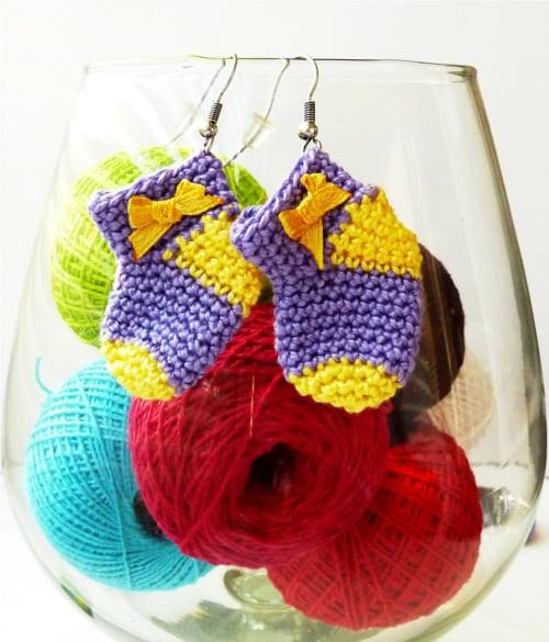 How to crochet tiny Christmas sock - crochet pattern