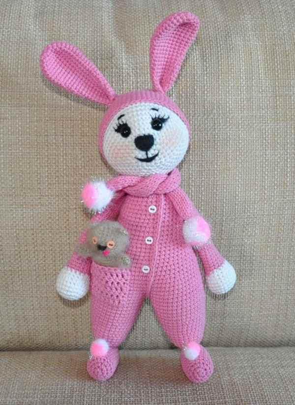 Amigurumi bunny in pajamas - free crochet pattern