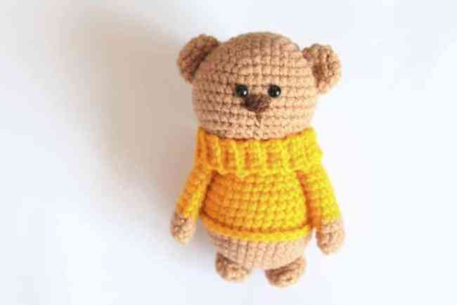 Amigurumi teddy in sweater - FREE pattern