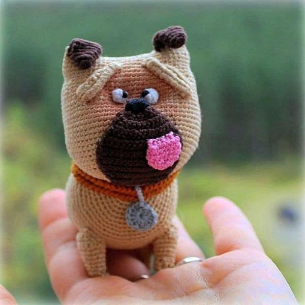 Mel the pug - The secret life of pets - free crochet pattern