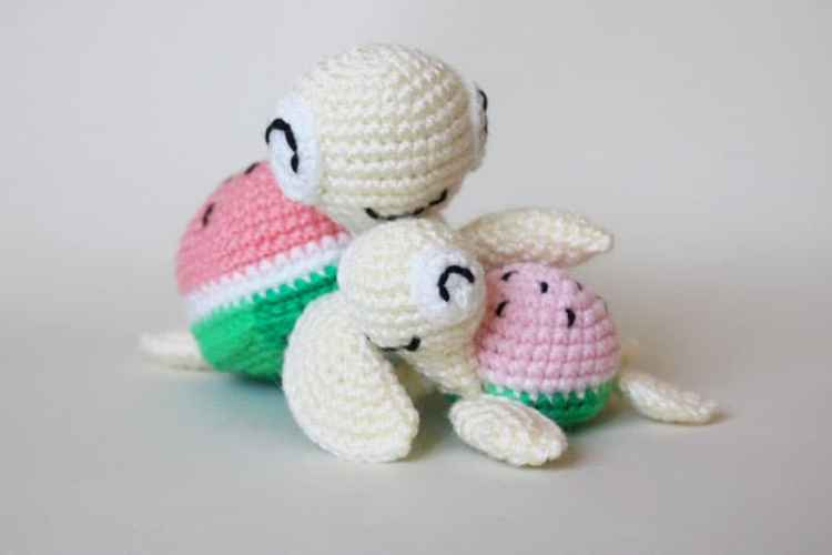 Watermelon turtles – free amigurumi patterns