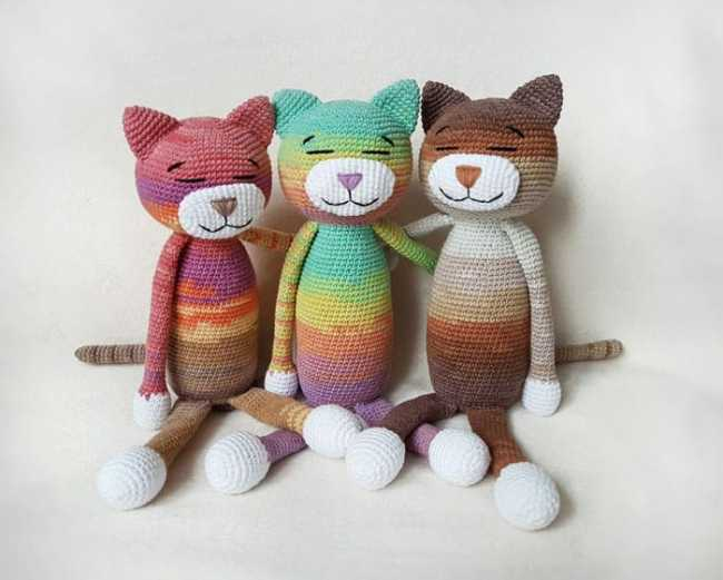 Knitted Amigurumi Cat Pattern : Large Ami Cat crochet pattern - Amigurumi Today